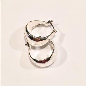 Chloe + Isabel Sculpted Click top Hoop Earrings